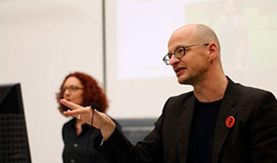 """Seminar mit Professor Ulrike Weckel und Jan Peter zur Eröffnung des Masterstudienganges """"Fachjournalistik Geschichte"""" an der Justus-Liebig-Universität Gießen."""